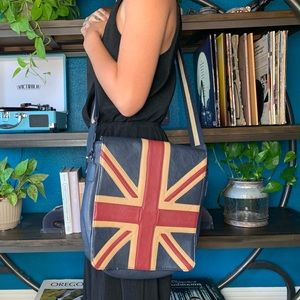 Spacious VINTAGE Union Jack crossbody NEVER WORN